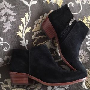 Sam Edelman black suede boot like new.